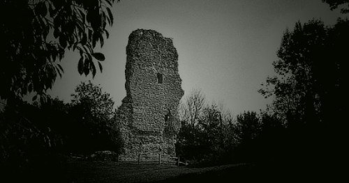 Bramber-Castle.-Sussex-570x300