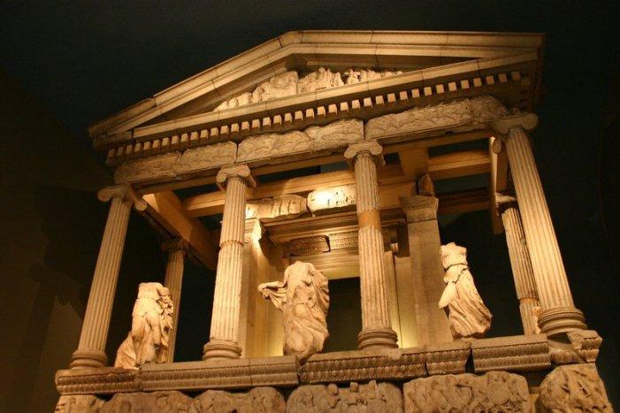 Xanthos_Nereid_Monument_by_FoxStox