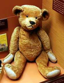 Teddy_bear_early_1900s_-_Smithsonian_Museum_of_Natural_History